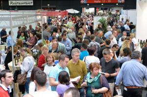 Dichtes Gedränge bei der Badischen Weinmesse Foto: Messe Offenburg / Gegg