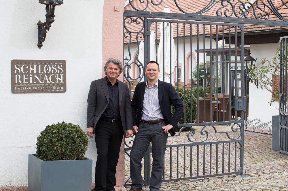 Investieren ins Schloss Reinach: René (li.) und Johannes Gessler. Foto: Deckert