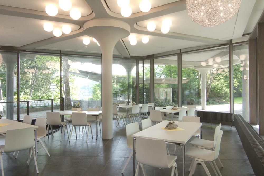 Der 400 Quadratmeter große Le Jardin-Saal mit angeschlossener Cateringküche bietet Platz für bis zu 150 Personen.  Bild: Badenweiler Thermen und Touristik GmbH