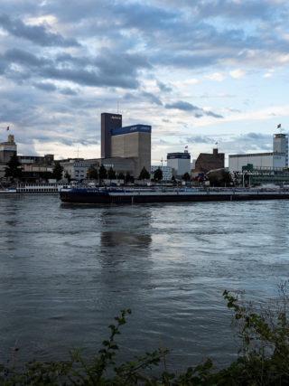 Rheinhafen Basel Umschlagplatz für Cargo sous Terrain